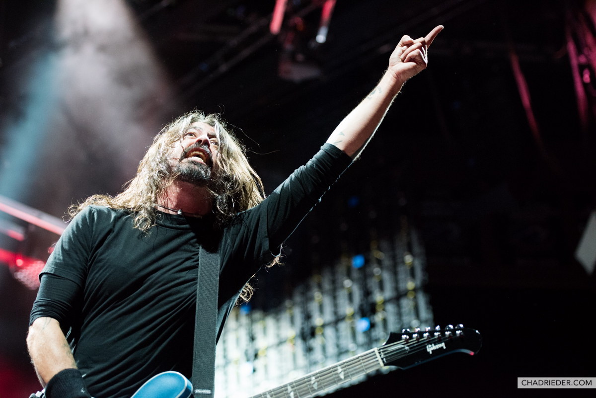 Foo Fighters Dave pointing
